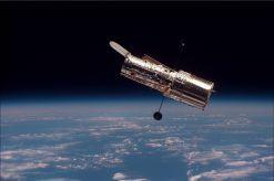 1280px-Hubble_01